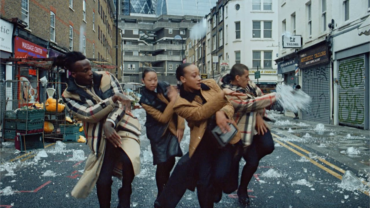 Музыка из рекламы Burberry - It's about that fearless spirit and imagination when pushing boundaries