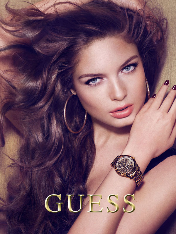 Музыка и видеоролик из рекламы Guess Accessories Holiday 2012