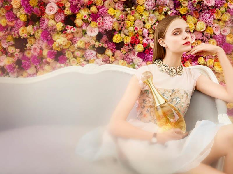 Музыка и видеоролик из рекламы Dior - An exceptional Christmas
