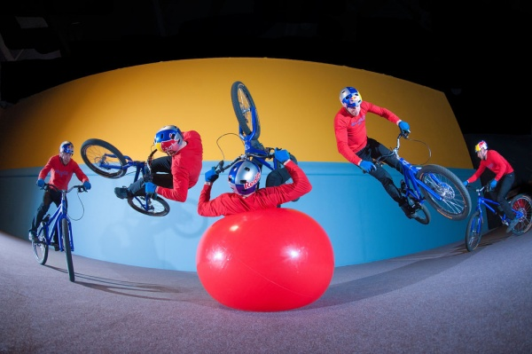 Музыка и видеоролик из рекламы Red Bull - Danny MacAskill's Imaginate