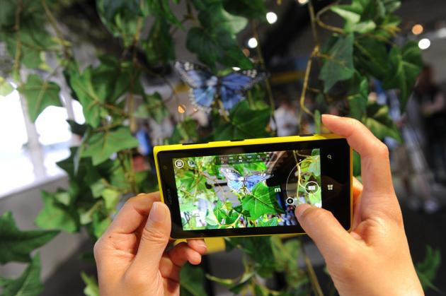 Музыка и видеоролик из рекламы Nokia Lumia 1020 - 41 MP and reinvented zoom
