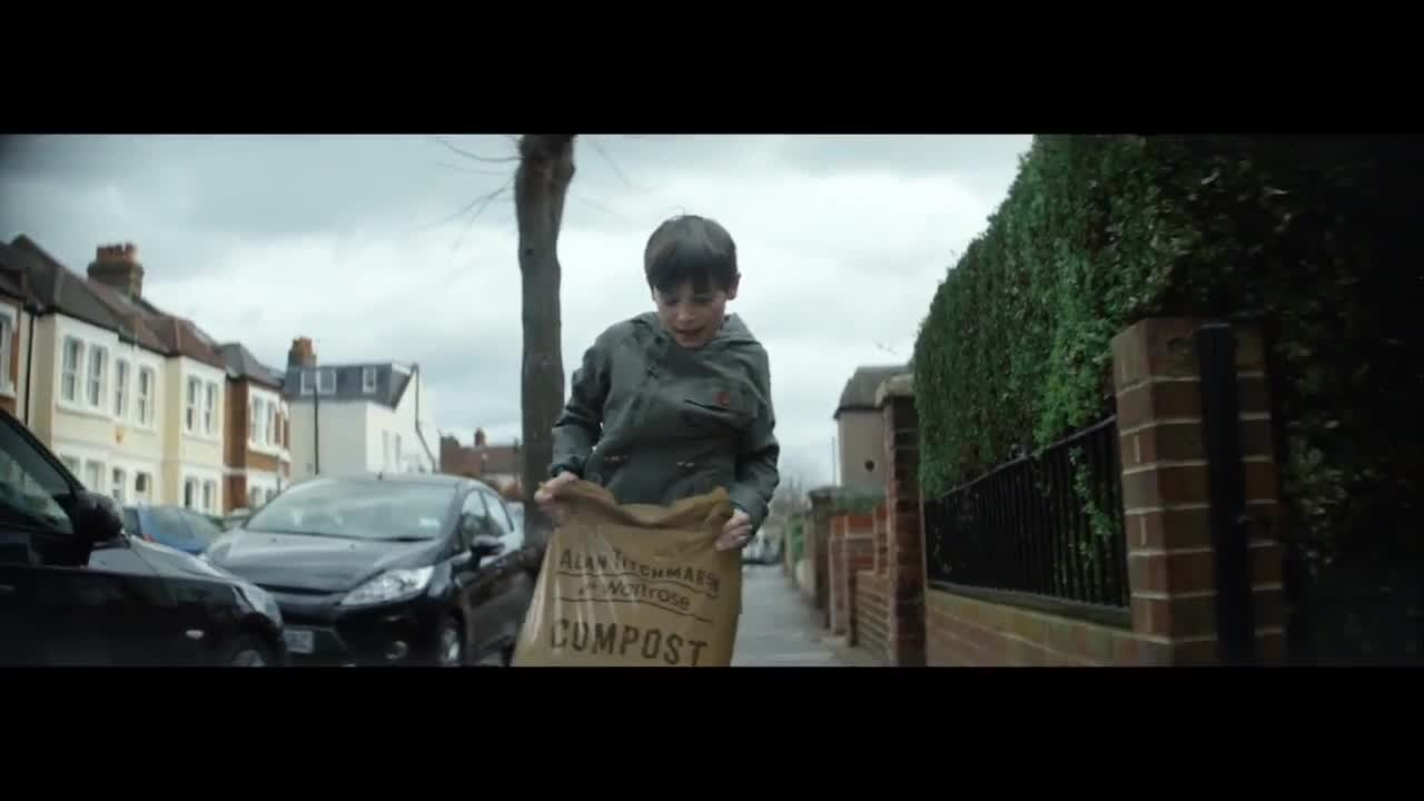 Музыка и видеоролик из рекламы Waitrose - When you own something, you care a little more