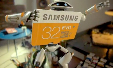 Музыка и видеоролик из рекламы Samsung - Robot SD Card