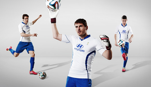 Музыка и видеоролик из рекламы Hyundai - 2014 FIFA World Cup - Get in (Casillas, Kaka, Oscar)
