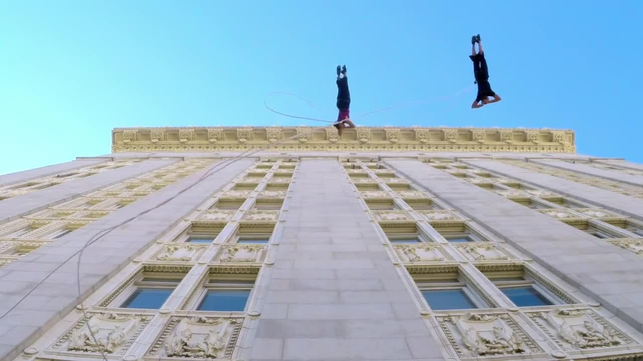 Музыка и видеоролик из рекламы GoPro - Waltz On The Walls Of City Hall