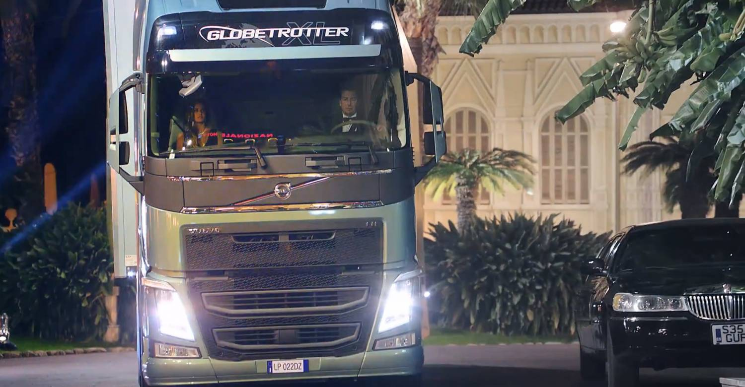 Музыка из рекламы Volvo Trucks - The Casino