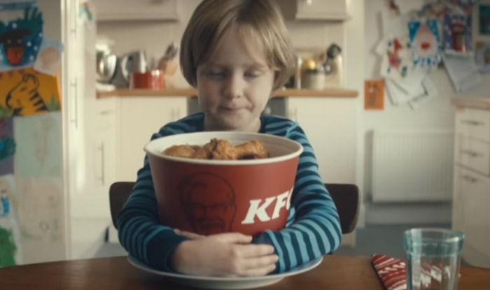 Музыка и видеоролик из рекламы KFC Christmas - The Boy Who Learnt To Share