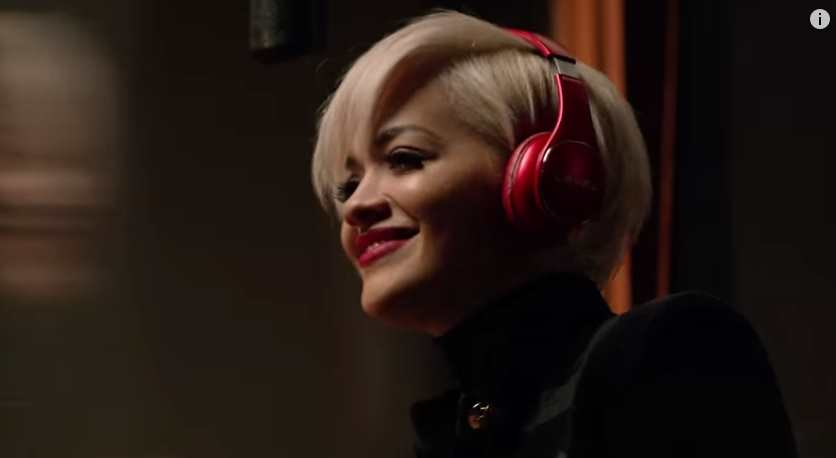 Музыка и видео из рекламы Samsung Galaxy S6 - Wireless Charging (Rita Ora)