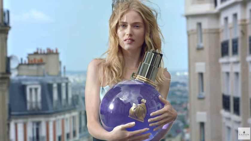 Музыка и видео из рекламы DKNY Be Delicious - Сочная