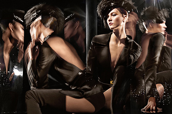 Woman in Motion: Карли Клосс в рекламной кампании Donna Karan